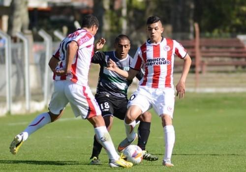 Racing frenó a River Plate en el Roberto: 1-1