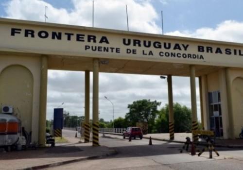 Uruguay y Brasil cierran sus fronteras por un mes