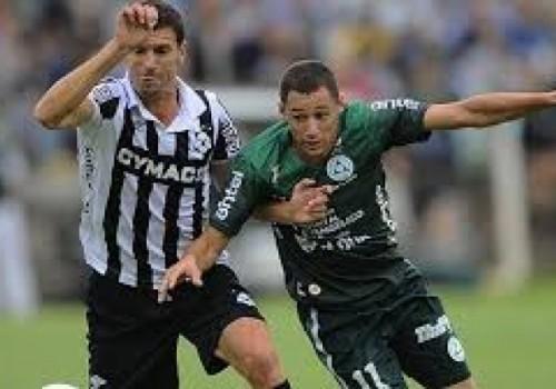 Plaza se impuso ante Wanderers 2-1 en Colonia