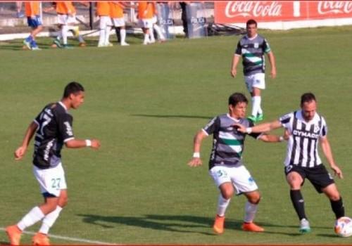 Wanderers ganaba 3-0 y terminó sufriendo ante Racing: 3-2