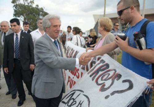 El presidente Vázquez visitará escuelas de contexto crítico