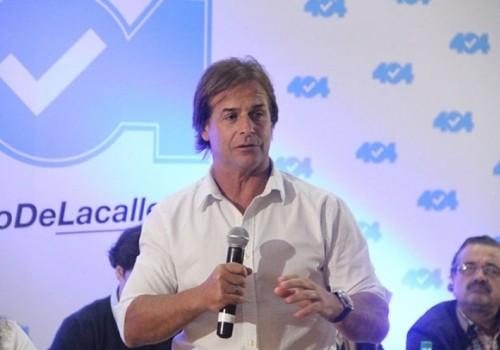 El senador Luis Lacalle Pou renunció a su banca