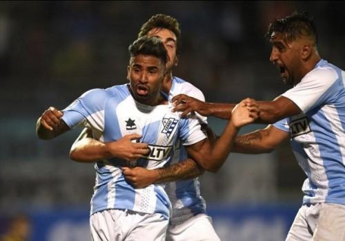 Cerro derrotó a River Plate 3-2 con 10 jugadores