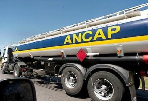 Decretan esencialidad en el suministro de combustibles