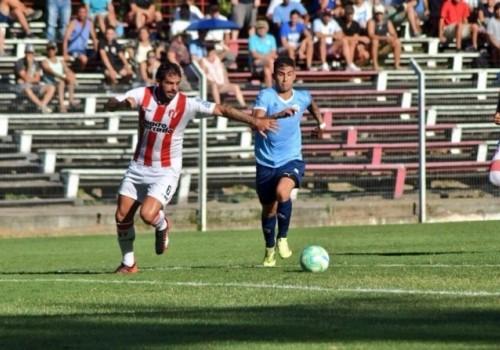 Torque goleó a River Plate 3 a 0 en el…