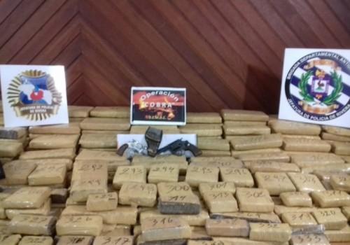 Incautan más de 220 kilos de marihuana y armas de…