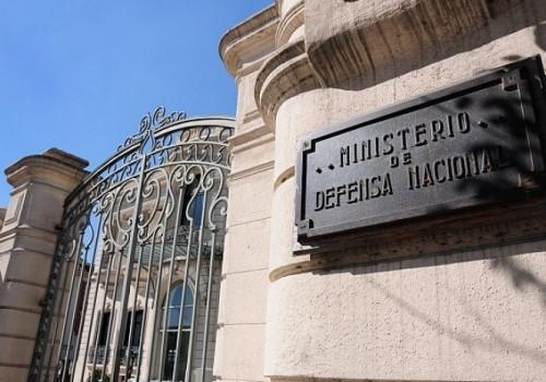 El Ministro Jorge Menéndez explicó sanción a comandante