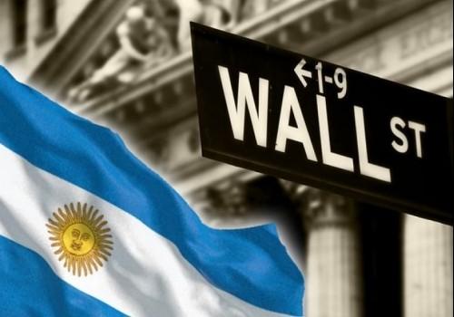 Continúa en alza el dólar y el riesgo país