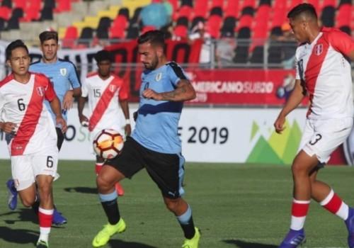 Uruguay pagó muy caro un error y cayó ante Perú…
