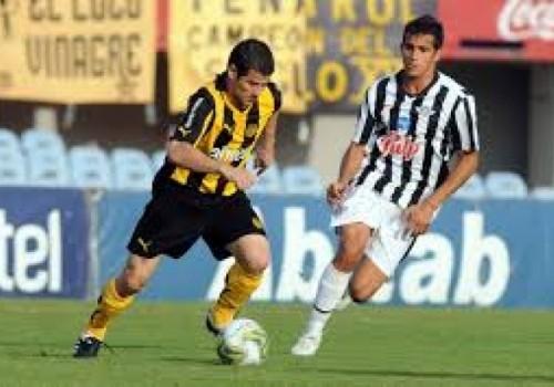 Libertad dio vuelta el partido y le ganó a Peñarol…