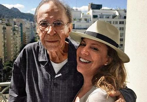 João Gilberto y Bebel Gilberto - Linda Flor (Ai Yô…