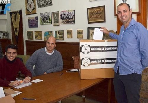 Gabriel Blanco, actual presidente de Wanderers, fue reelecto