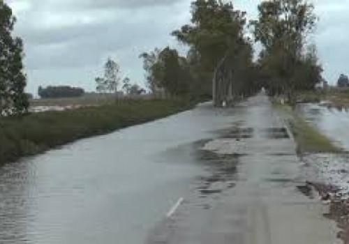 Inundaciones causan cortes de rutas