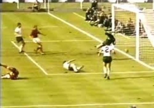 """En 1966 Inglaterra también tuvo su """"mano de Dios""""… o de los árbitros"""