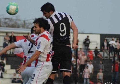Wanderers dejó escapar el triunfo; River Plate rescató un punto