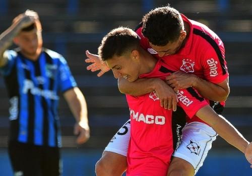Wanderers está en la final: le ganó 3-2 a Liverpool